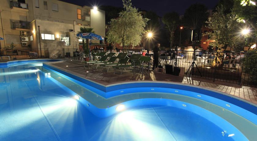 Servizi hotel rimini 3 stelle con piscina - Hotel con piscina a rimini ...